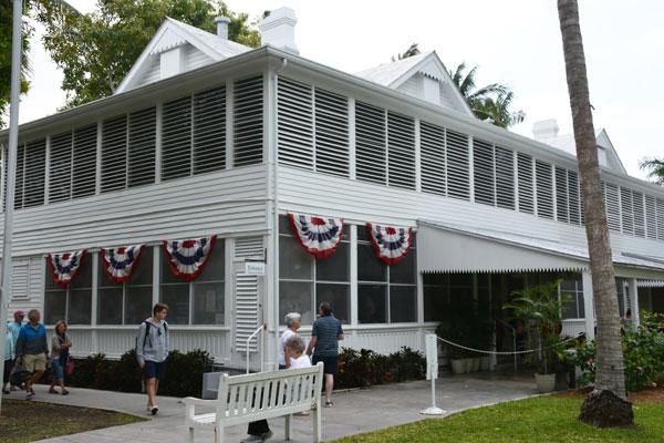Truman_Little_White_House,_Key_West,_FL,_US_(08)-Sized