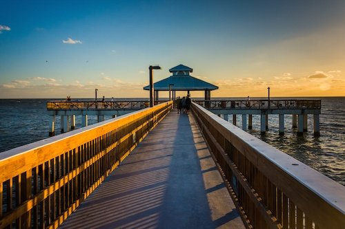 The fort myers beach fishing pier for Fort myers beach fishing pier