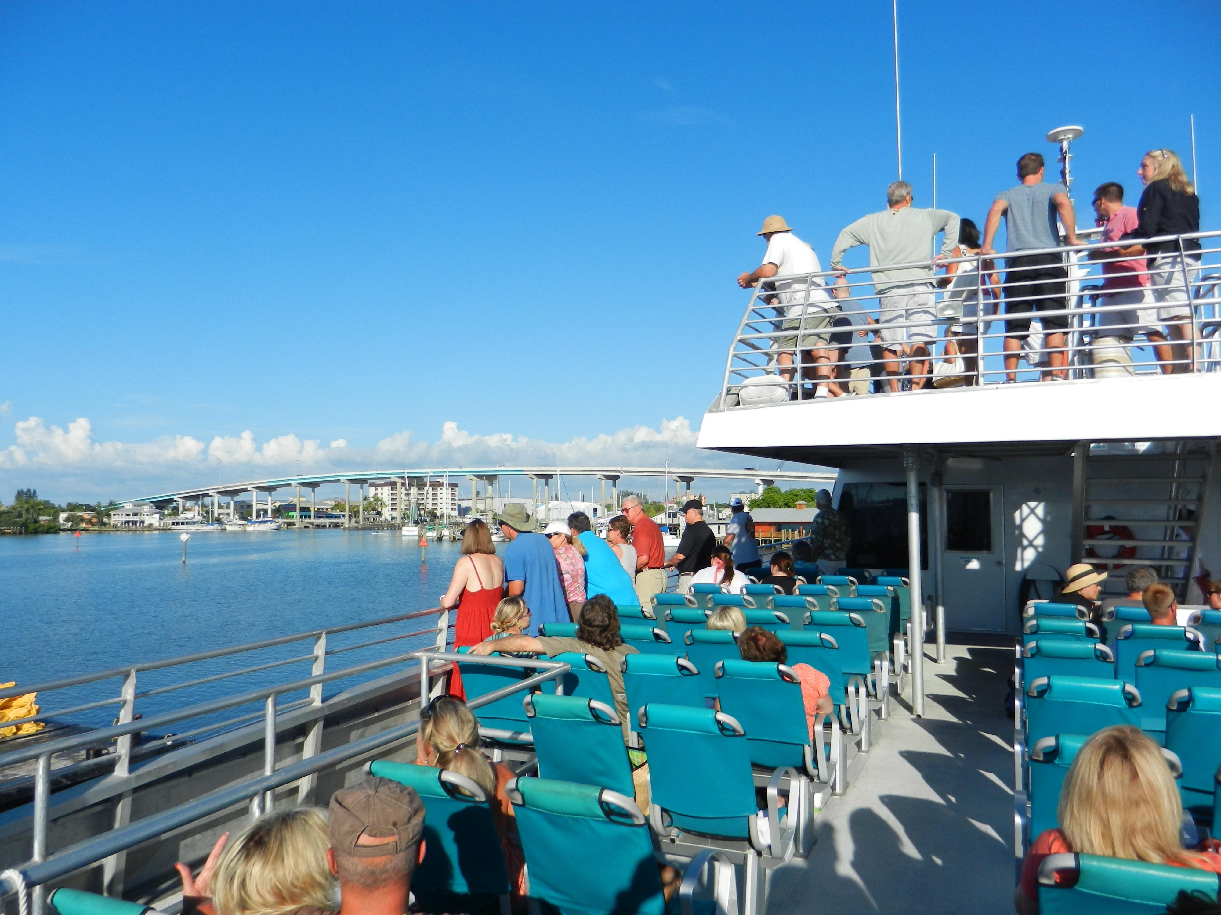 Fort_Myers_Beach_Key_West_Express_1.jpg