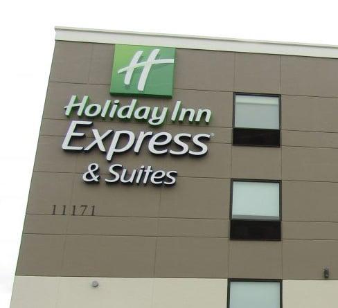 Holiday Inn Facade