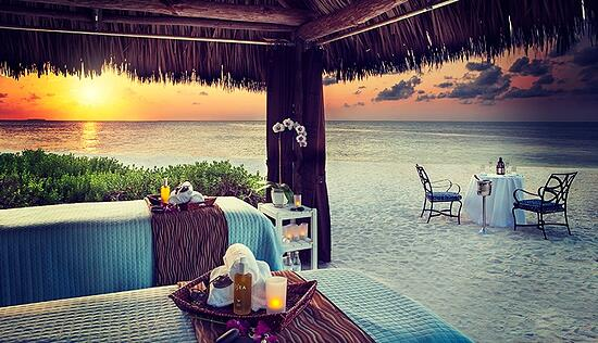 Sunset Key Massage Table and Beach Front Dining