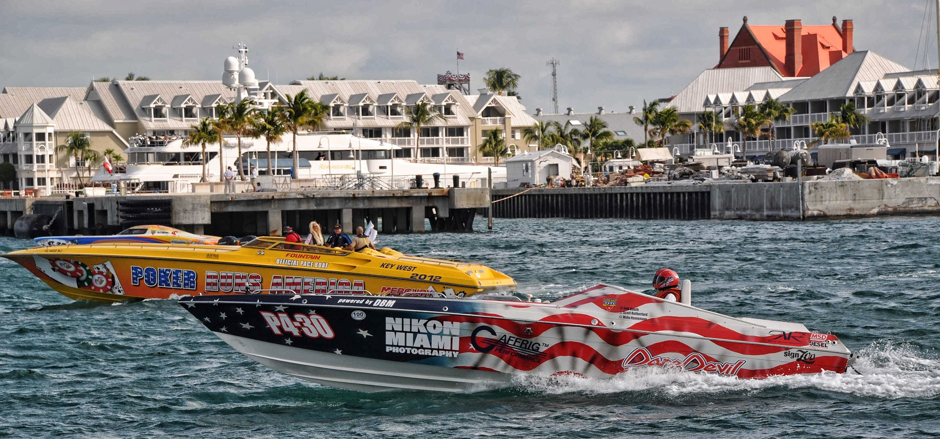 Superboat races Key West - credit: Pixabay.com